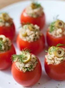 Фаршированные помидоры с киноа и фета