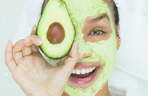 Маска из авокадо и овсянки