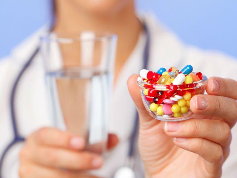 Антибиотики от кашля у взрослых и для детей
