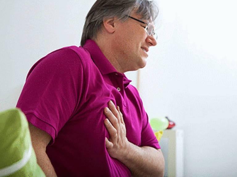 При кашле болит в грудной клетке, лечение в домашних условиях