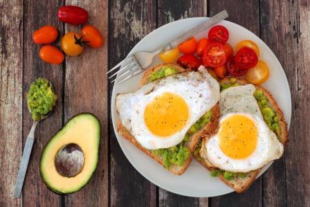 Полезный завтрак: что кушать и рекомендации по правильному питанию