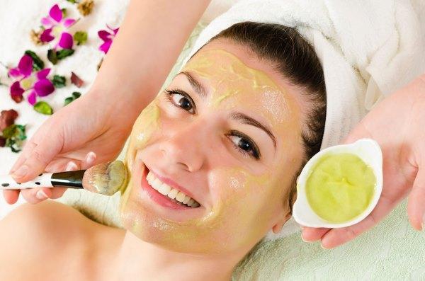 Желатиновая маска с бананом для лица