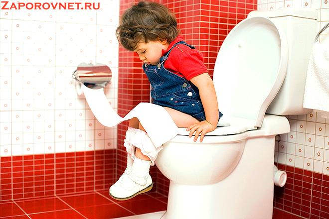 Ребенок в туалете