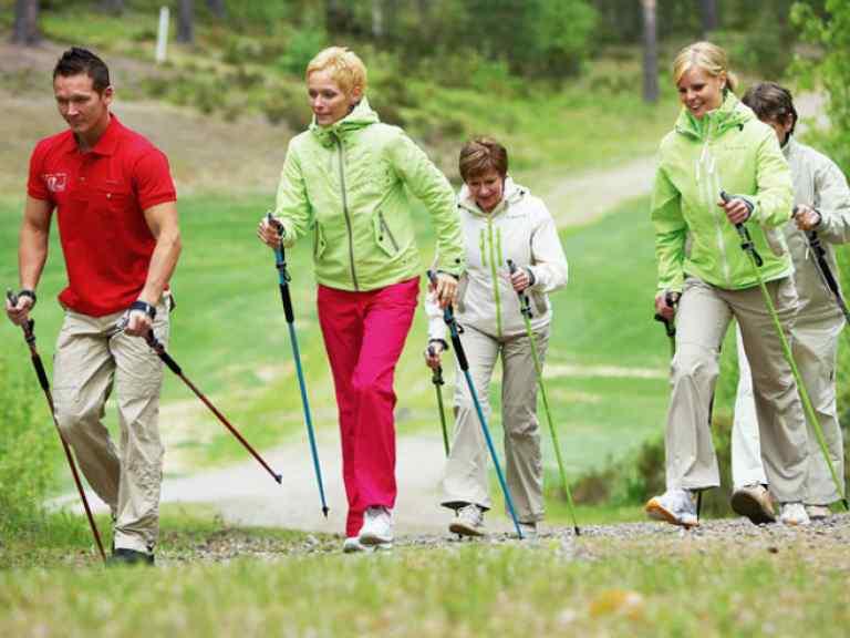 Суть скандинавской ходьбы с палками