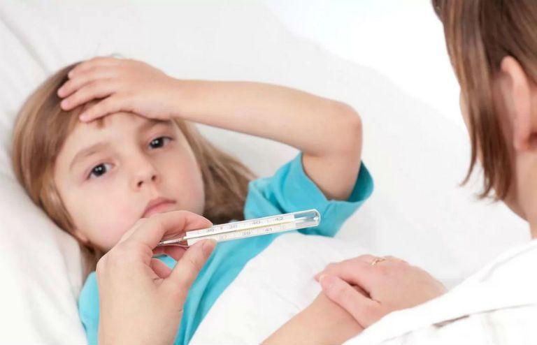 Лающий кашель у ребенка с температурой, чем лечить