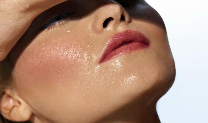 Как убрать жирный блеск с кожи лица?