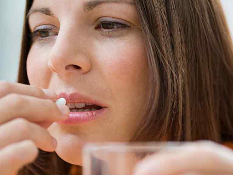 От кашля таблетки взрослым для рассасывания: список и названия