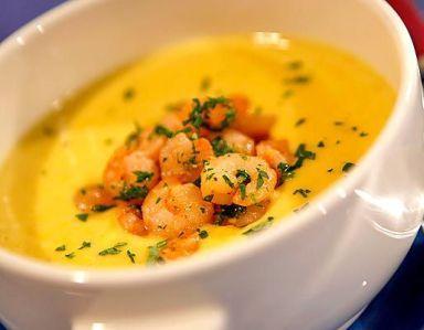 Кукурузный суп-пюре с креветками