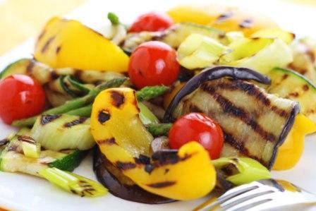 Салат с овощами-гриль