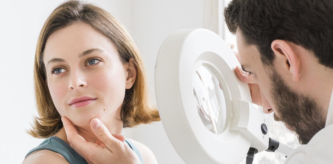 Консультация с дерматологом при дерматите