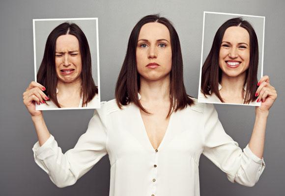 Разные эмоции у женщины