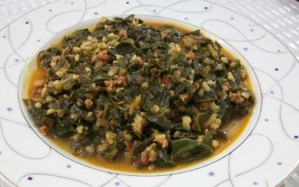 тушеный шпинат с рисом и фаршем на турецкий манер