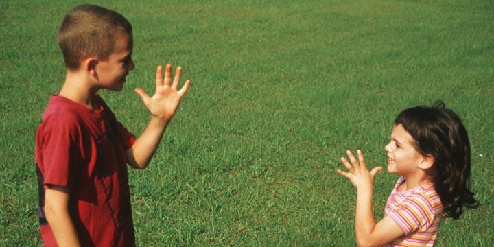 Обучение глухих детей