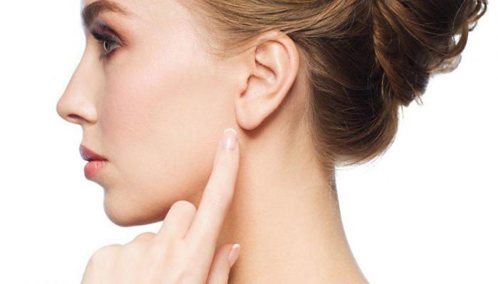 Почему появился шарик в мочке уха? Лучшие советы, как убрать воспаление и шишку внутри