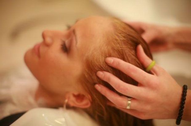 Использование апельсинового масла против выпадения волос