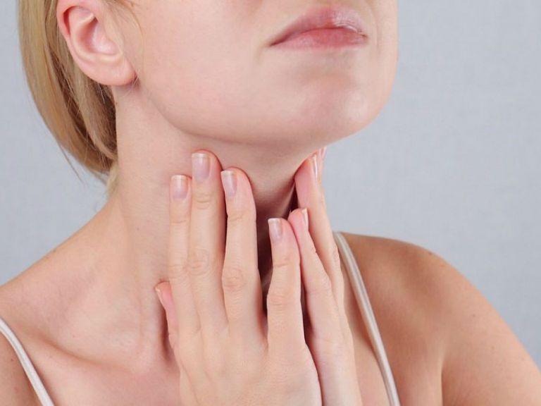 Першит в горле и хочется кашлять чем лечить