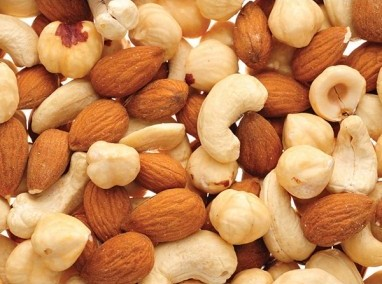 Домашние конфеты с орехами миндаль, фундук и кешью