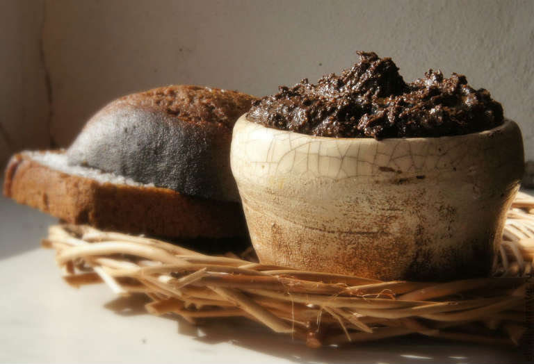Питательные маски из хлеба для объема волос: лучшие рецепты